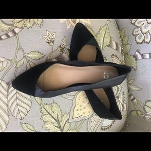 Size 9.5 black flats by Joes Jeans. Suede/leather